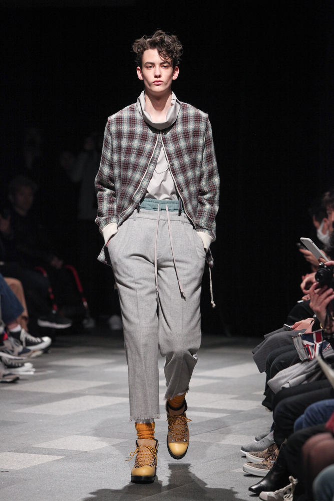 discovered-201617aw-runway001