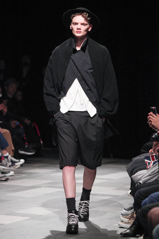 discovered-201617aw-runway005