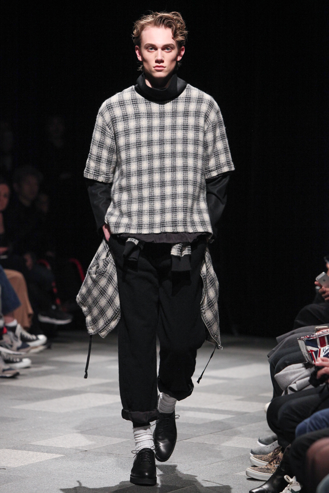 discovered-201617aw-runway007