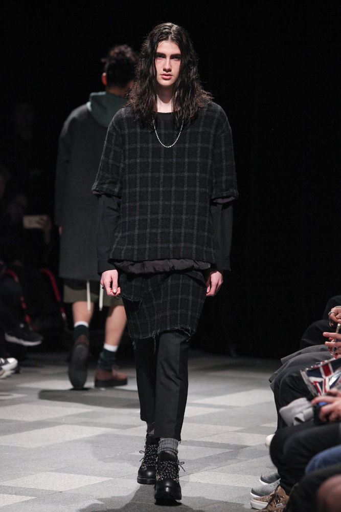 discovered-201617aw-runway008
