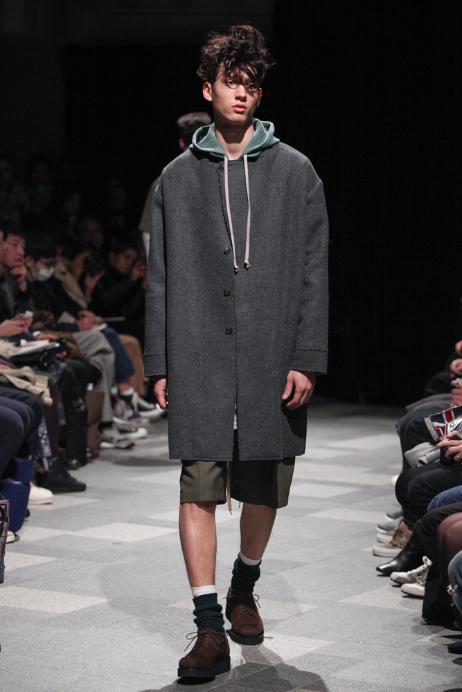 discovered-201617aw-runway009