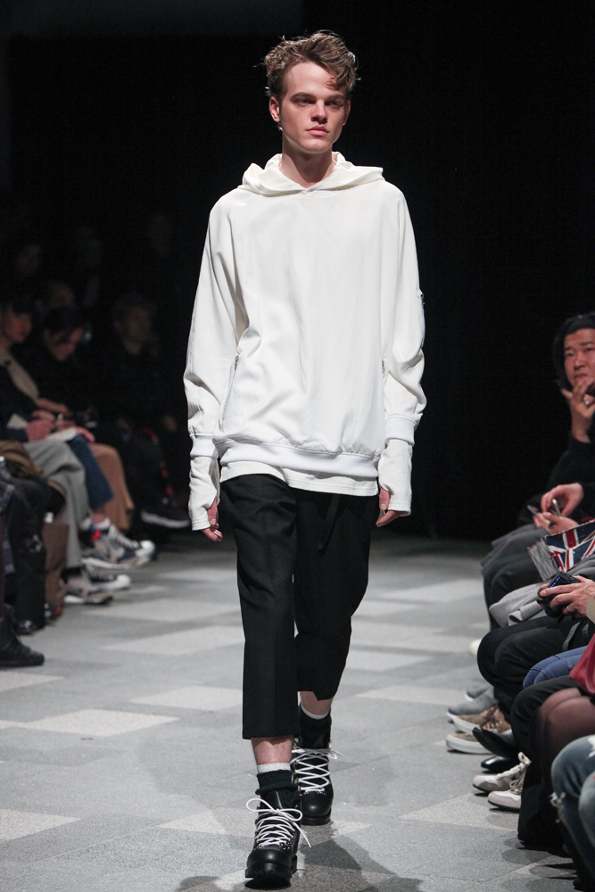 discovered-201617aw-runway014