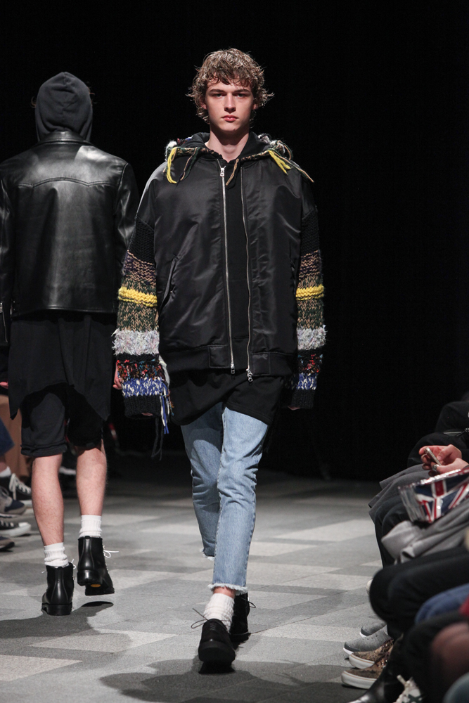 discovered-201617aw-runway017
