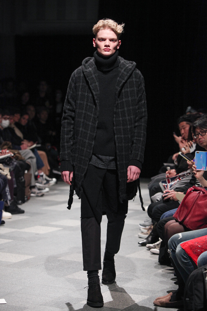 discovered-201617aw-runway020