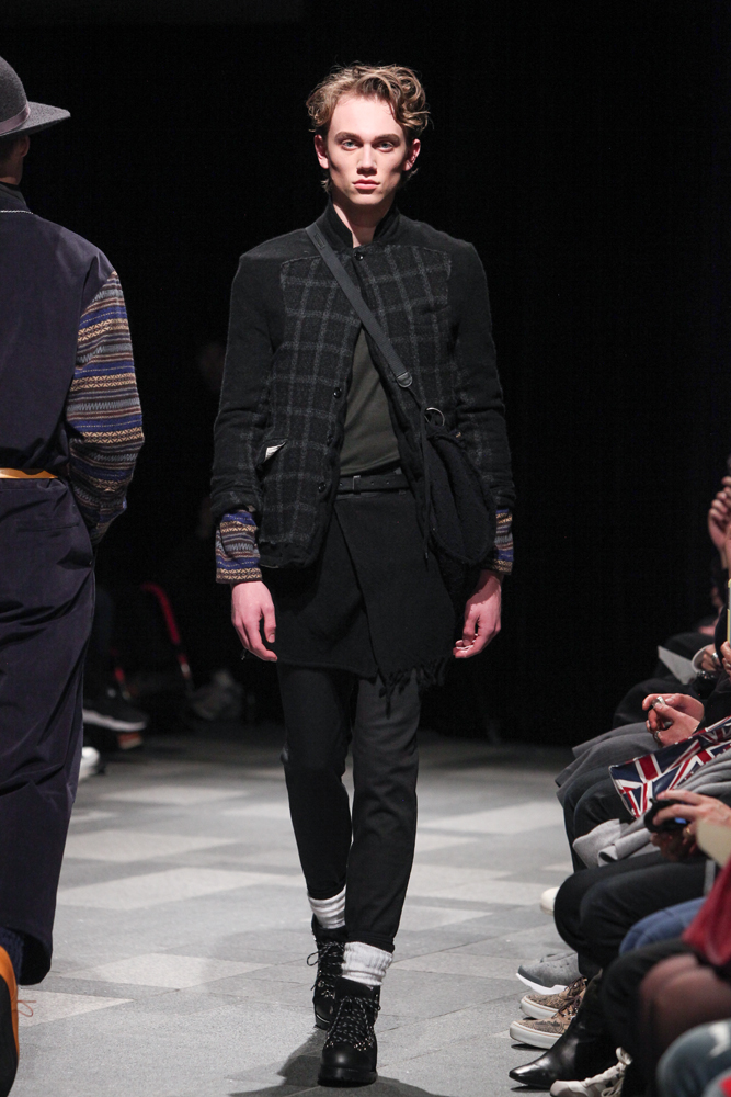 discovered-201617aw-runway021