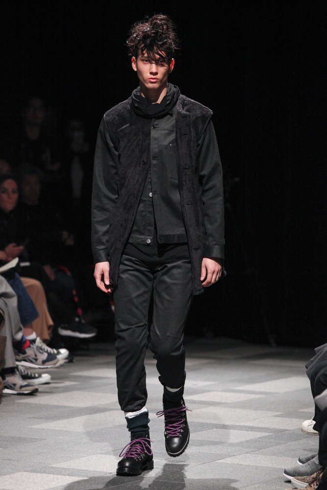 discovered-201617aw-runway025