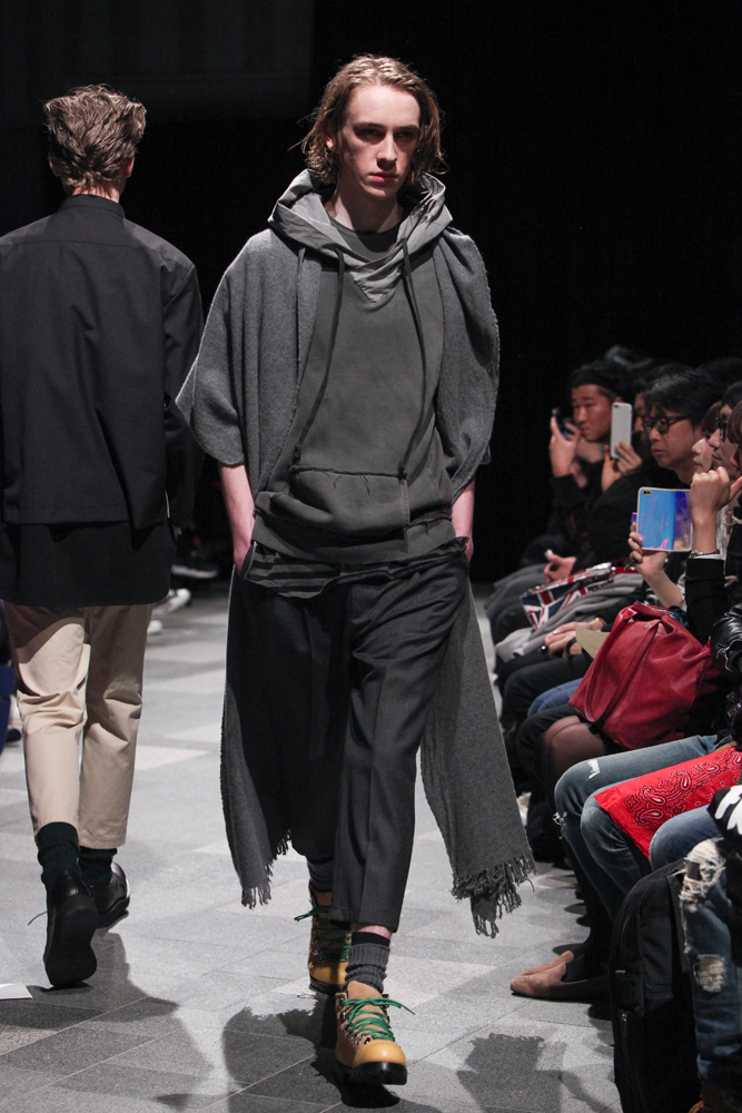discovered-201617aw-runway028