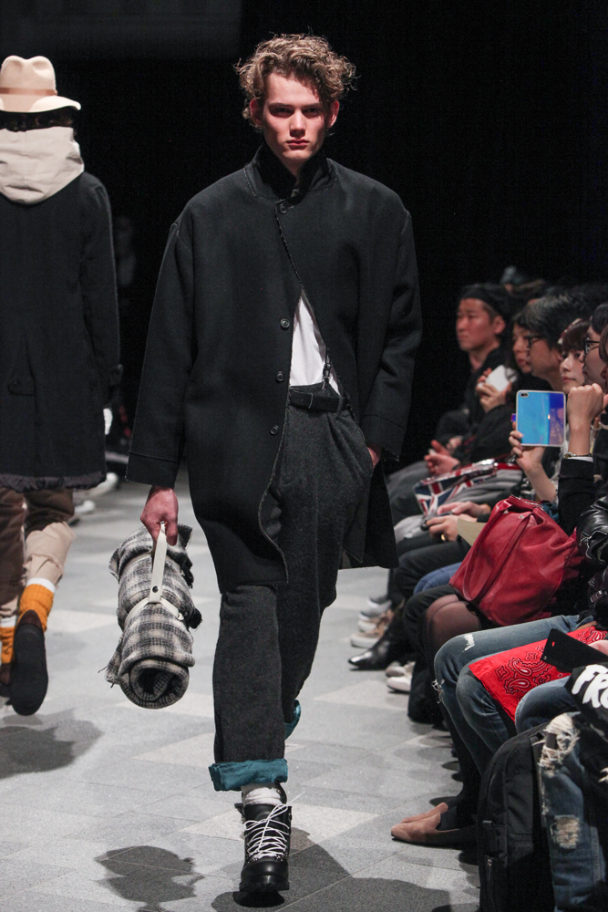 discovered-201617aw-runway031