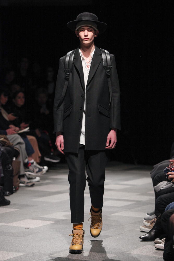discovered-201617aw-runway033