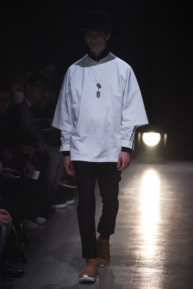 name-201617aw-look003