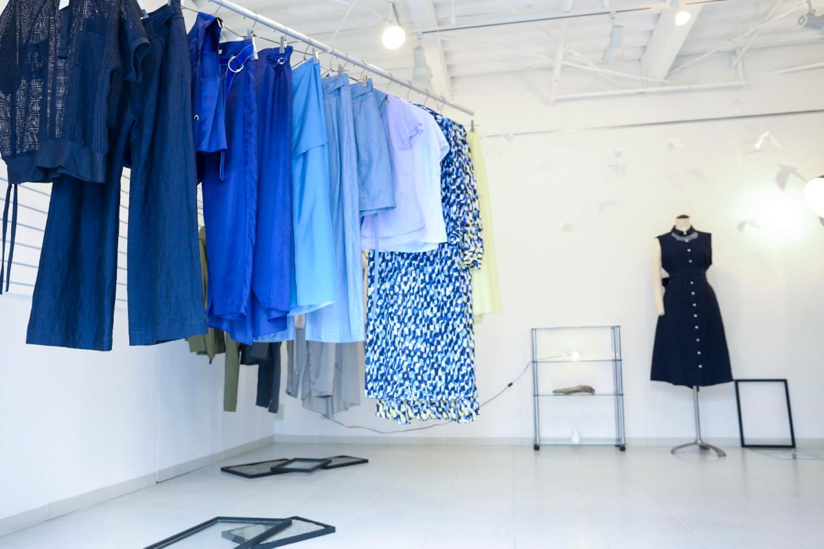 杉崎製作所によるyee(イィ)の2017年春夏コレクション テーマは「海に来て 海を着て」