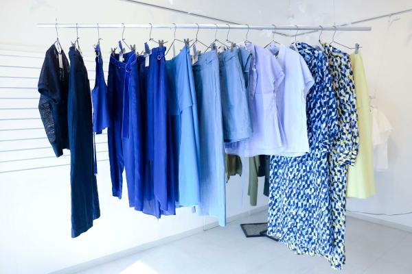 """杉崎製作所による yee(イィ)の2017年春夏コレクション テーマは""""海に来て 海を着て"""""""