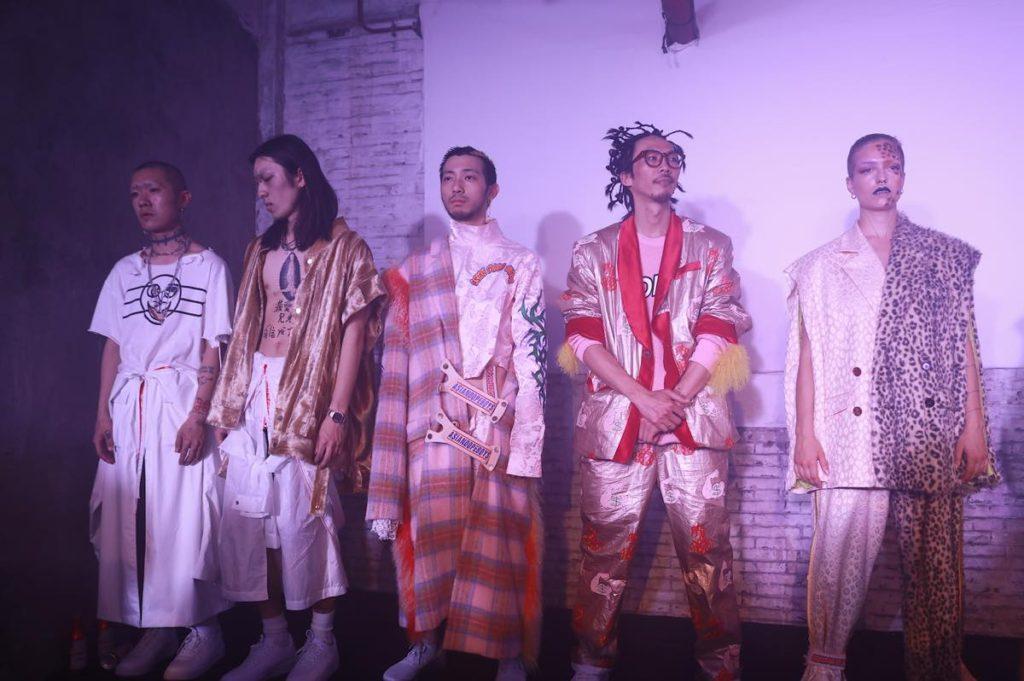 中国で注目の若手デザイナー 「Asiandopeboys(アジアンドープボーイズ)」の2017年秋冬コレクション