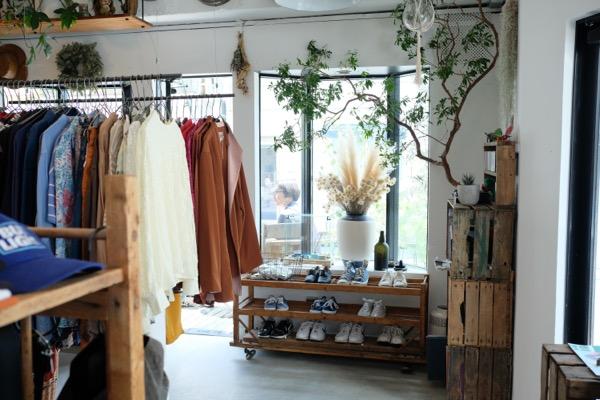 東京・下北沢の古着屋 FILM(フィルム)古着と雑貨やインテリアも、好きなモノだけ集めたコレクション部屋のようなお店