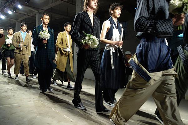 「JUNWEI LIN(ジュンウェイ リン)」の2017年秋冬コレクション