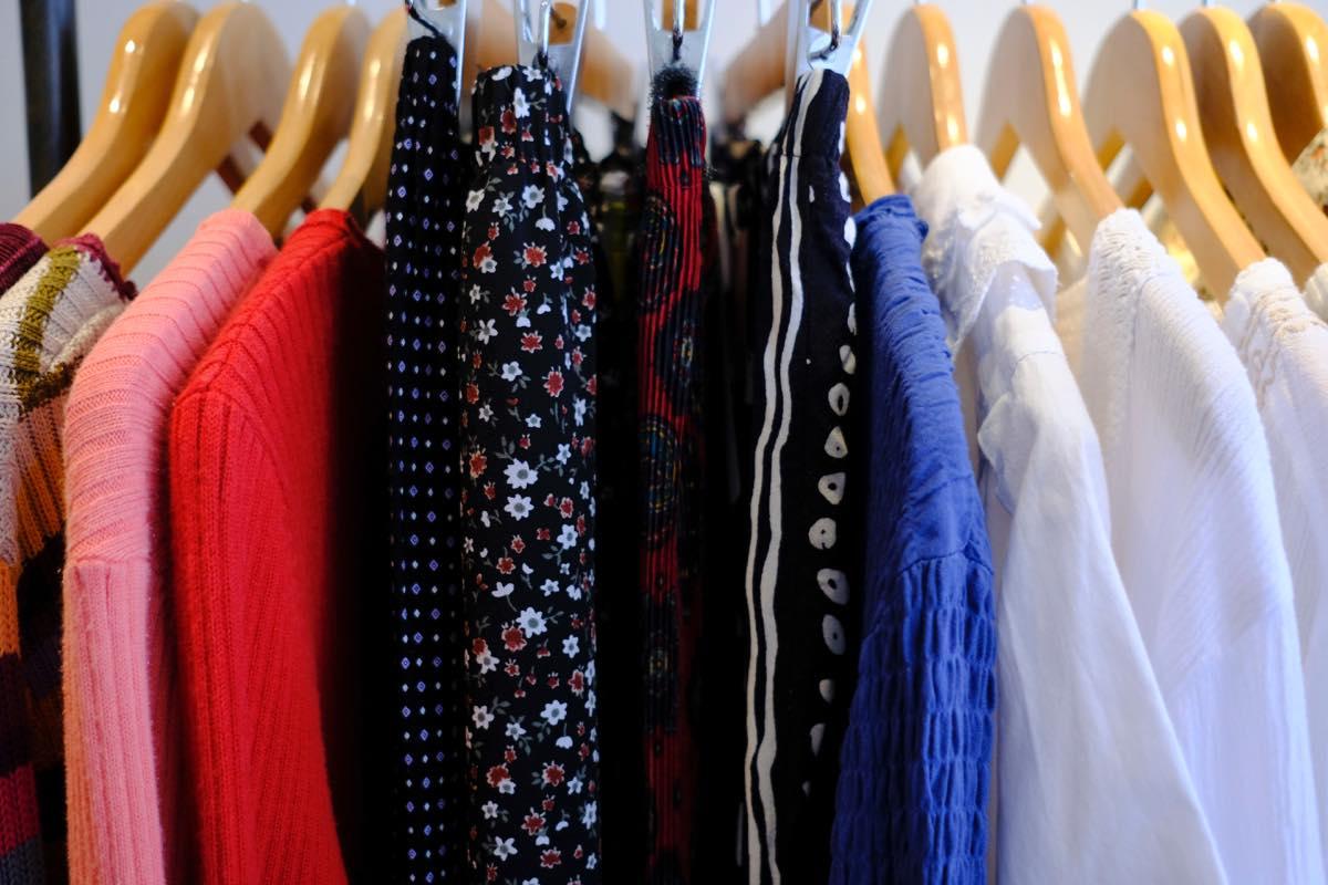 渋谷・古着屋 mericca(メリッカ)現代のスタイルに合わせやすい服をセレクト。2017年に原宿から渋谷に移転。