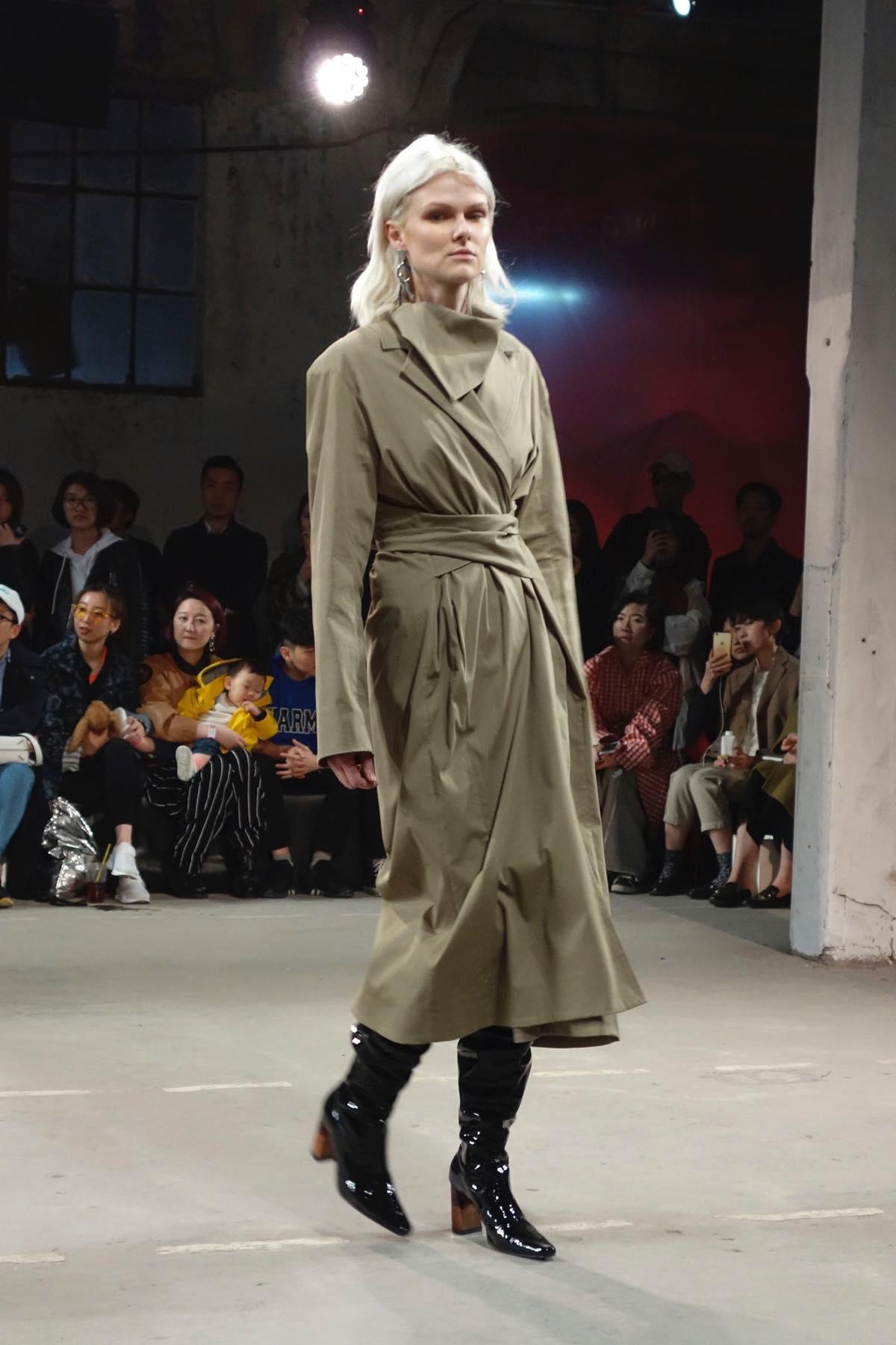 中国で注目の若手デザイナー 「YIRANTIAN(イランティエン)」の2017年秋冬コレクション