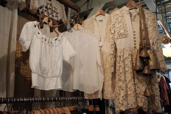 東京・吉祥寺の古着屋 garnish(ガーニッシュ)古着だけでなく雑貨・食器・家具も揃う、生活に彩りを添えるヴィンテージショップ
