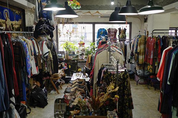 東京・巣鴨の古着屋 humor(ユーモア)古着と会話と笑顔が溢れるお店