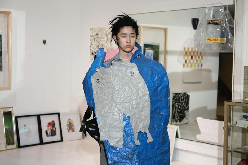 PUGMENT(パグメント)2018年春夏コレクション「Scrap」をテーマに阿佐ヶ谷「Workstation.」でファッションショーを開催