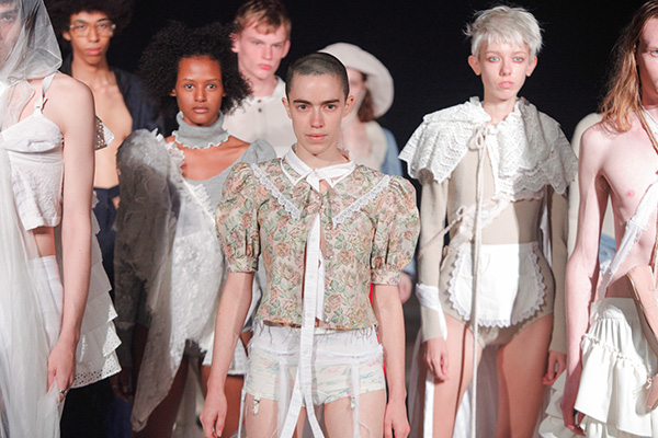 THIBAUT(ティボー)2018春夏コレクション。デザイナーは原宿の古着屋「MELANGE(メランジェ)」のバイヤーでもある伴 芽衣子