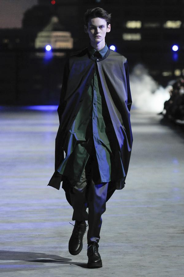 SISE(シセ)の2018-19年秋冬 コレクション。デザイナーは松井 征心。