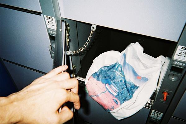 「dilemma(ダイレマ)」がカプセルコレクション発表。都内20箇所のコインロッカーで限定Tシャツを配布