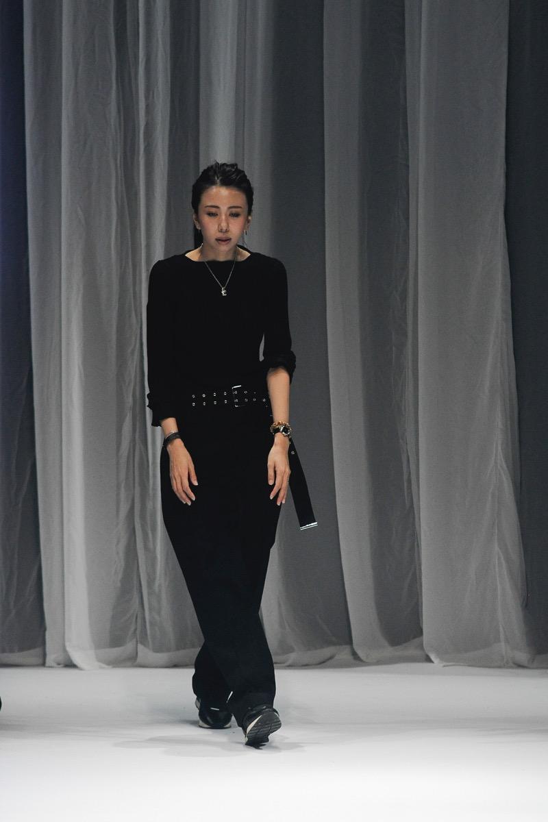 AOI WANAKA(アオイ ワカナ)の2019年春夏 コレクション。デザイナーは、碧 和中(Aoi Wanaka)。