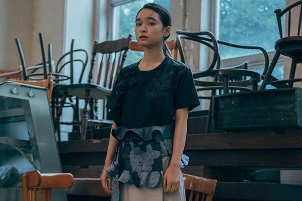 old honey(オールドハニー)2019年春夏 コレクション。テーマは「Youth after becoming an adult」。デザイナーは、原 まり奈。