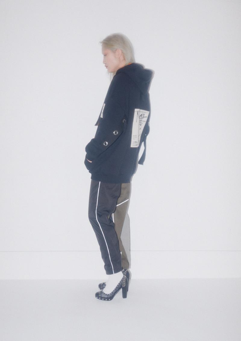 KANIZSA(カニッツァ)の2019-20年秋冬コレクション。デザイナーは本田剛。