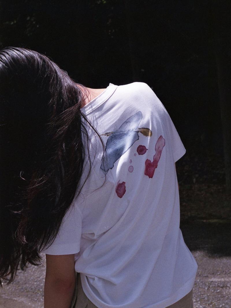 """""""狭間にある美""""をブランドコンセプトにするdilemma(ダイレマ)。2020年春夏コレクションはテーマを「SPILAL」に小説家の藤田祥平とタッグを組み、オリジナルの小説を作成。日記体小説の手法を採用し、主人公の内面をよりパーソナルに描いた。"""