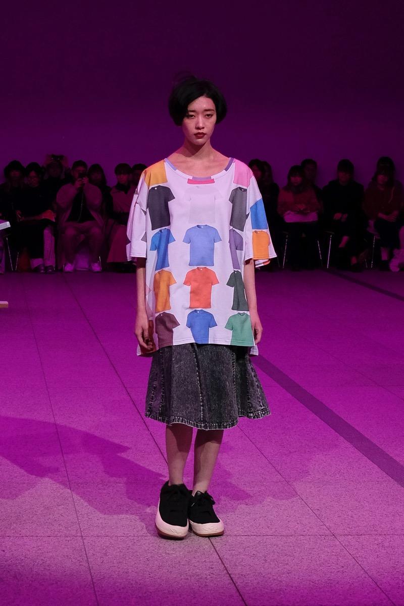 PUGMENT(パグメント)2020年春夏コレクション「Purple Plant」を、東京都現代美術館でランウェイで発表。